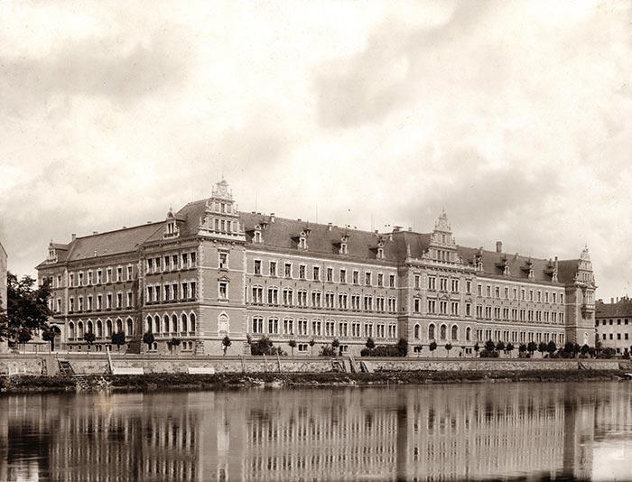 Erziehung zur Elite — Die Fürsten- und Landesschulen zu Grimma, Meißen und Schulpforte um 1900