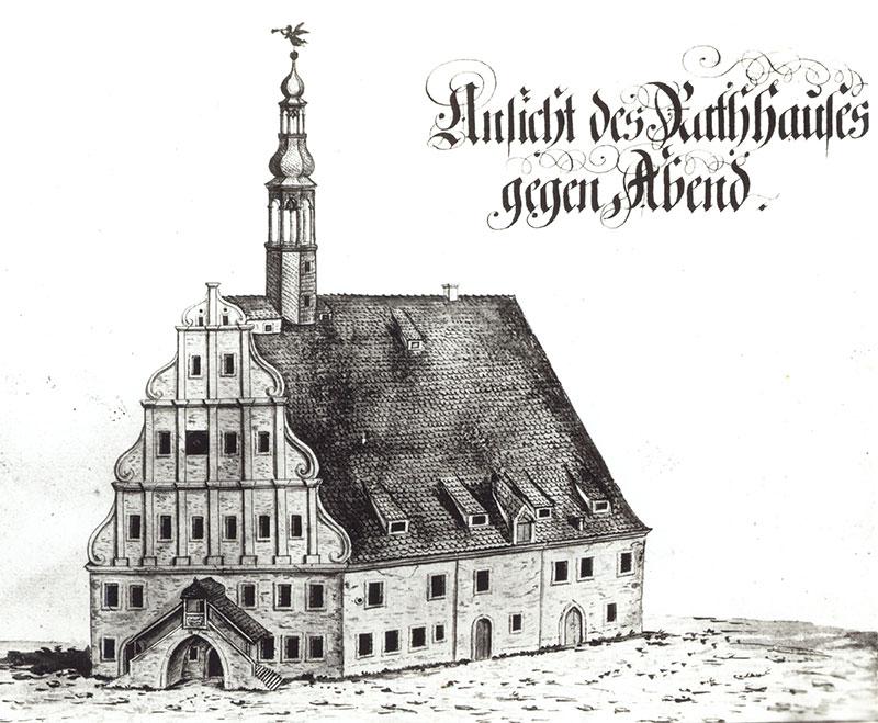 Grimmaer Rathaus, 18.Jh. (Kreismuseum Grimma) Die hoch im Dachreiter angebrachten Uhrglocken sind auf dieser Ansicht deutlich zu sehen. Ihre hohe Anbringung dürfte die Konstruktion zusätzlich belastet haben.