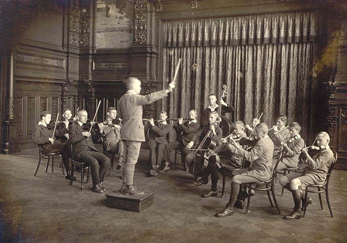 Schüler beim Musizieren