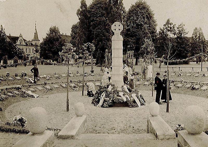 Ehrenhain auf dem Friedhof in Frohburg